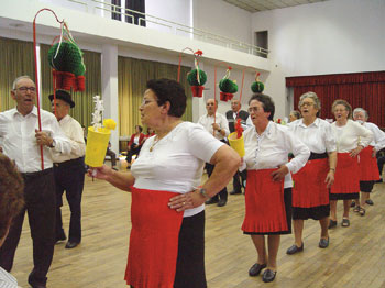 Idosos festejam Santos Populares