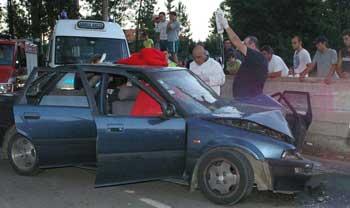 Cinco feridos em acidente de viação