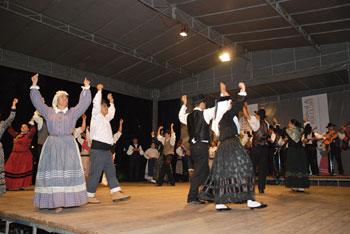 Festival de Folclore encheu Parque Dr. Lima Carneiro