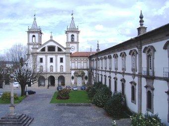 Mosteiro beneditino de Santo Tirso em modelação virtual