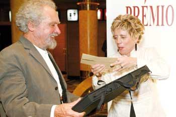 Alberto Carneiro recebeu prémio