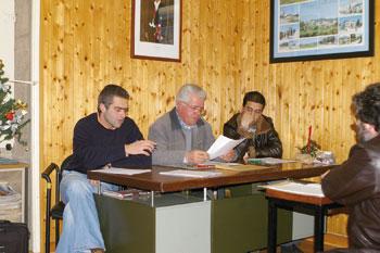 Assembleia de Guidões discute obras para 2008