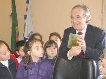 Crianças visitam Paços do Concelho