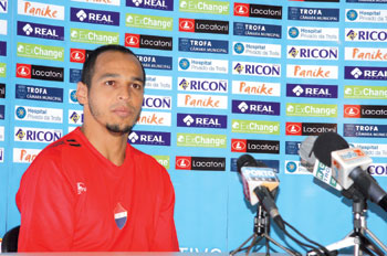 Zé Carlos rejeita ser estrela da equipa