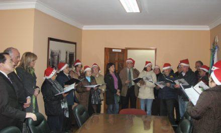 Utentes da ASAS cantam Janeiras ao executivo municipal