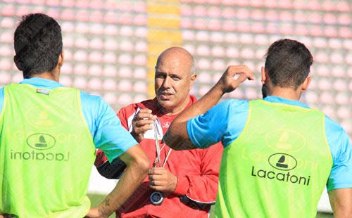 Porfírio Amorim abandona comando técnico do Trofense (Atualizada)