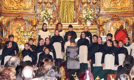Meninos Cantores recebem coro inglês