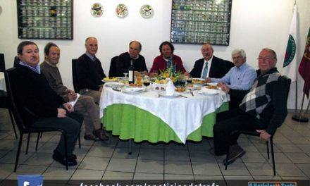 Comissão Promotora reunida em jantar