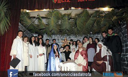 Jovens de Santiago encenam presépio ao vivo na Alameda e no Souto da Lagoa