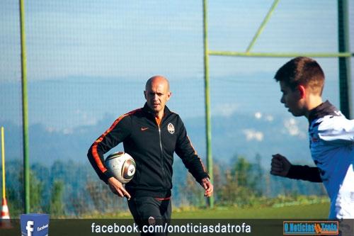 Miguel Cardoso da Trofa para o Mundo… do futebol