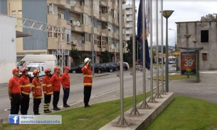 Bombeiros da Trofa homenageiam bombeiro falecido