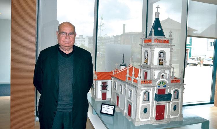 Miniatura da Capela Senhora das Dores em destaque na exposição