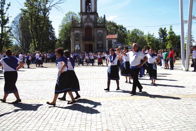 """""""Pequena multidão"""" assistiu ao Cortejo à Moda Antiga da Aldeia da Abelheira (c/video)"""