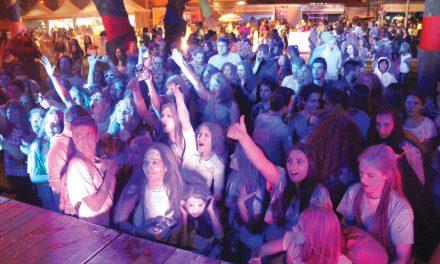 Cor, música e moda marcam Juventude em Festa