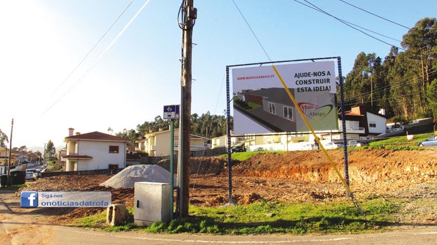 Muro de Abrigo lança 1.ª pedra do novo edifício