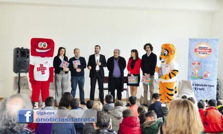 Clube Slotcar oferece livro a duas mil crianças: Trofi visita todas as escolas do concelho