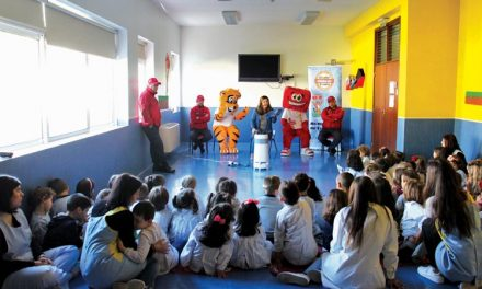 Clube Slotcar da Trofa já prepara segundo livro: Trofi deixou livros e muita alegria nas escolas do concelho