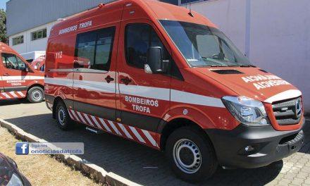 Bombeiros recebem  novas ambulâncias
