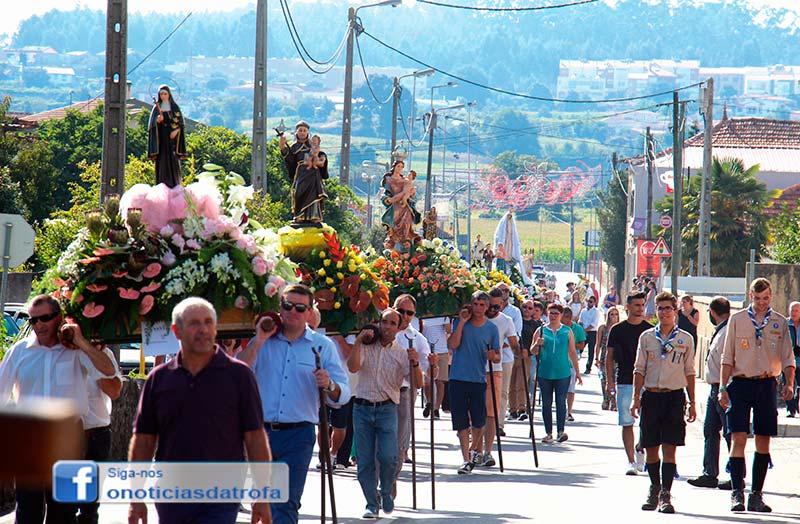 Noite branca e procissão foram  ponto alto das festas de Santa Eulália