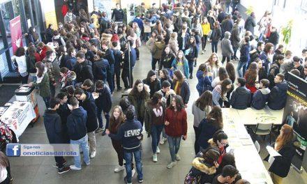 30 universidades apresentaram cursos na Escola Secundária (C/Vídeo)