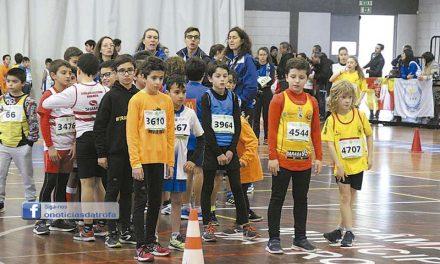 220 atletas no Torneio de Atletismo