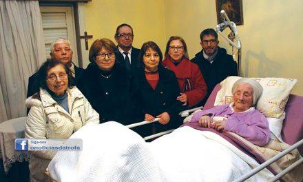 Júlia Couto comemora um século de vida