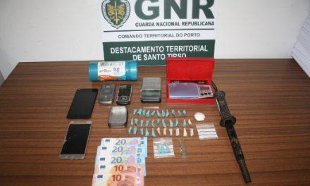 Três detidos por tráfico de estupefacientes
