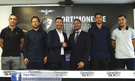 Fábio Moura na equipa técnica do Portimonense