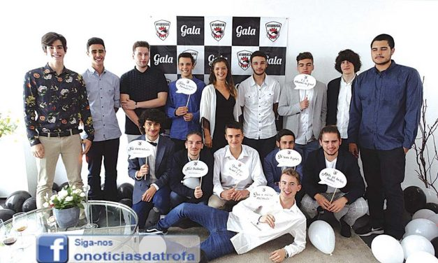 Basquetebol do Vigorosa reunido em gala