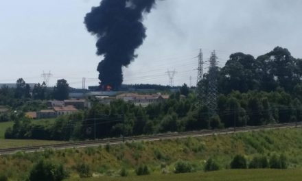 Vídeo- Incêndio na zona industrial da Maia visível no concelho da Trofa
