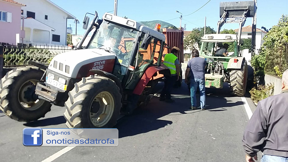 Trator perdeu roda em andamento no Coronado