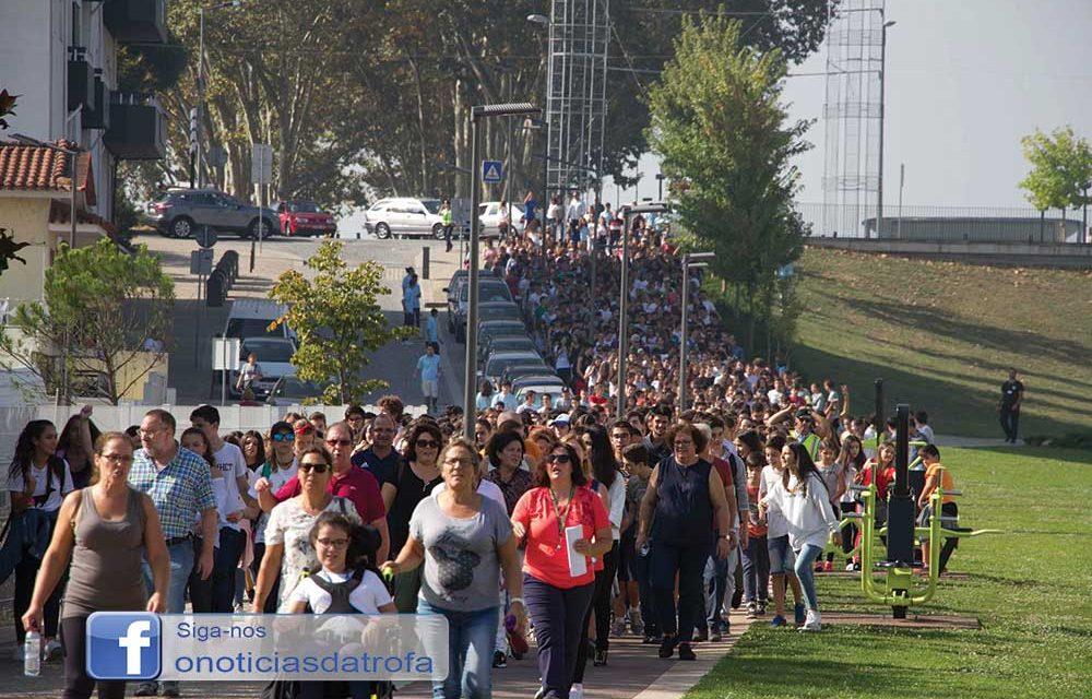 Mais de 700 caminharam pelo Dia Europeu do Desporto Escolar (c/ vídeo)