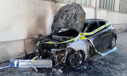 Carro ardeu na cidade