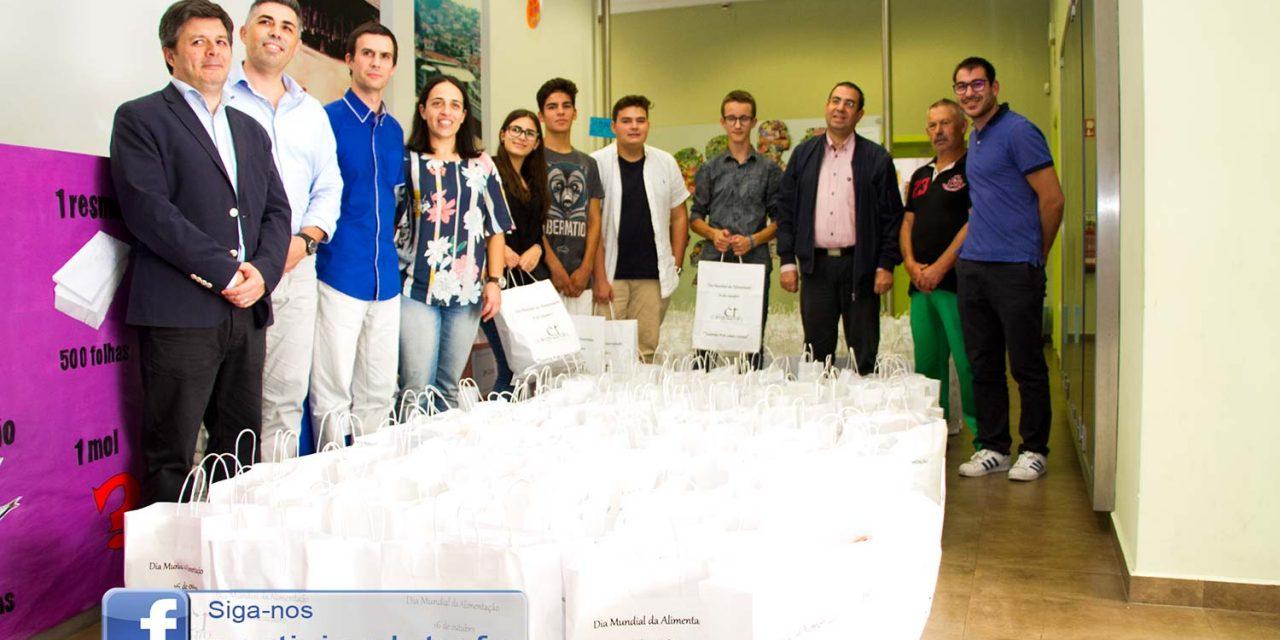 Colégio da Trofa doa mais de duas toneladas de alimentos