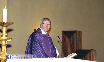 Padre Luciano de jipe  até à Guiné-Bissau