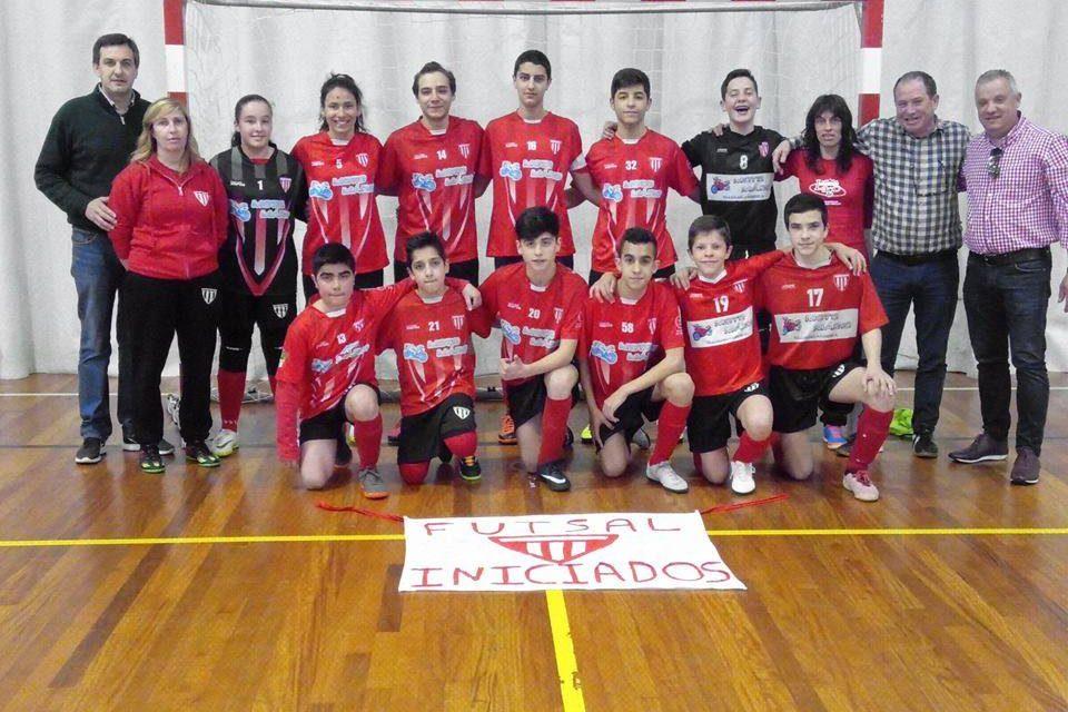 Futsal: Iniciados do S. Romão campeões de série