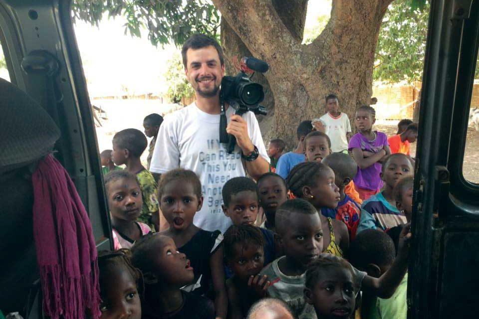 Silvano Lopes lança  livro sobre experiências no voluntariado