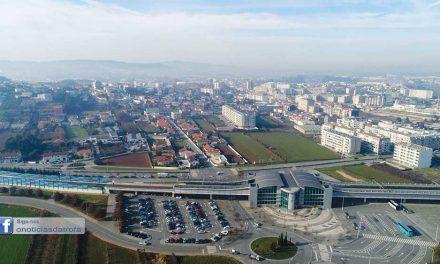Joana Lima sugere ao ministro alargamento do parque  de estacionamento da Estação