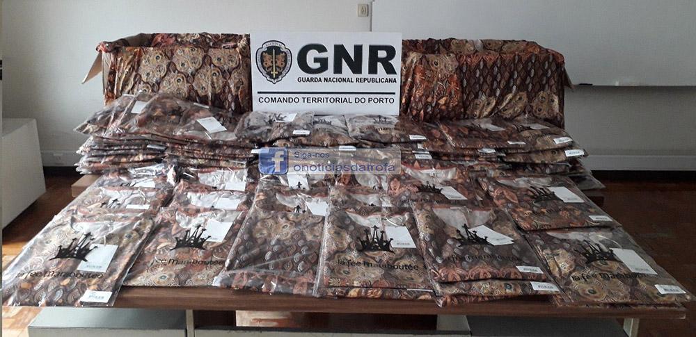 GNR recupera na feira da Trofa peças de roupa furtadas