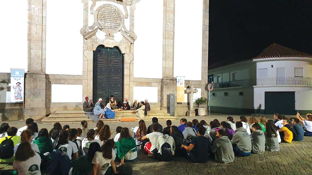 Jovens da diocese em peregrinação noturna