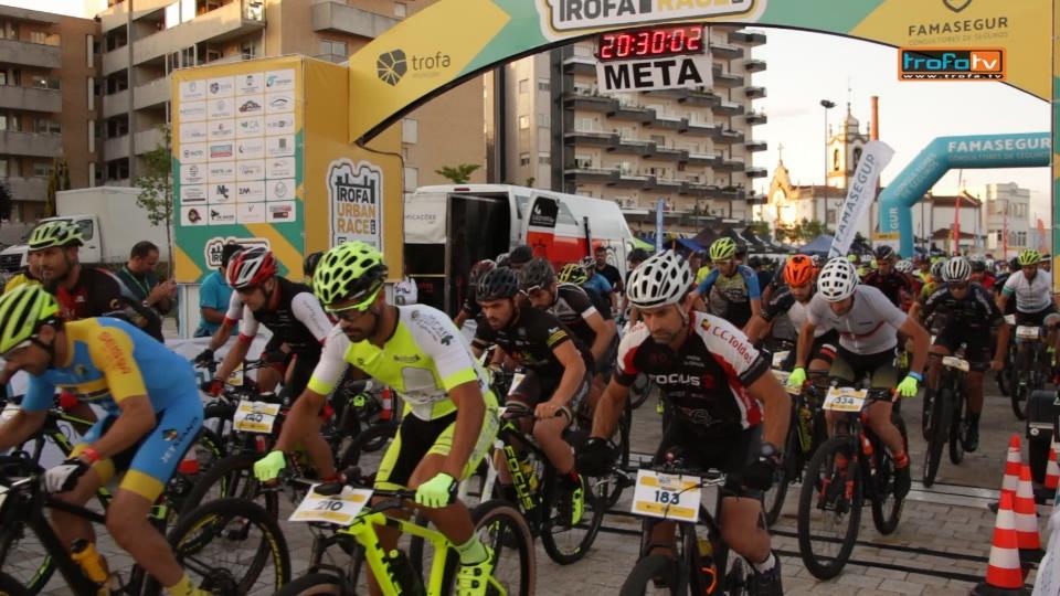 """Mais de 400 pedalaram pela cidade –  """"Fasquia elevada"""" para o futuro do Trofa Urban Race (c/video)"""