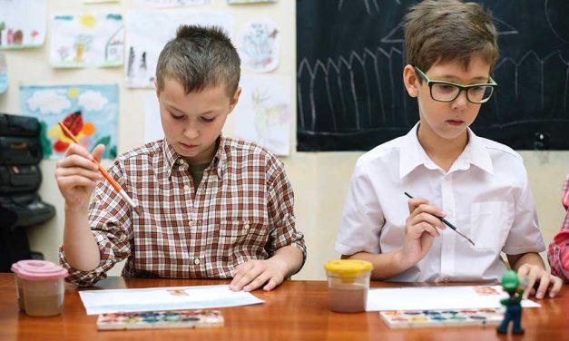 Agrupamento pede que pais orientem alunos no ensino à distância